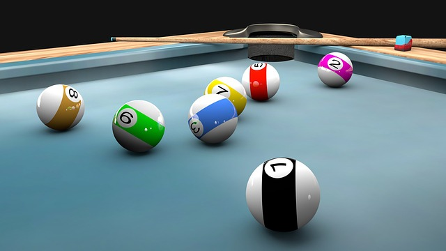 pool-774332_640