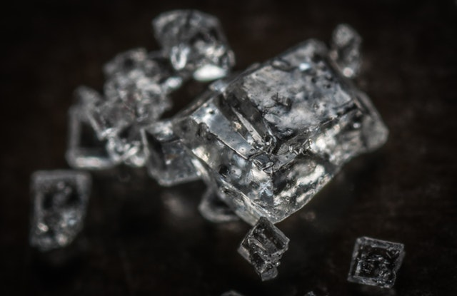 selective-focus-photography-crystals-stones-753416