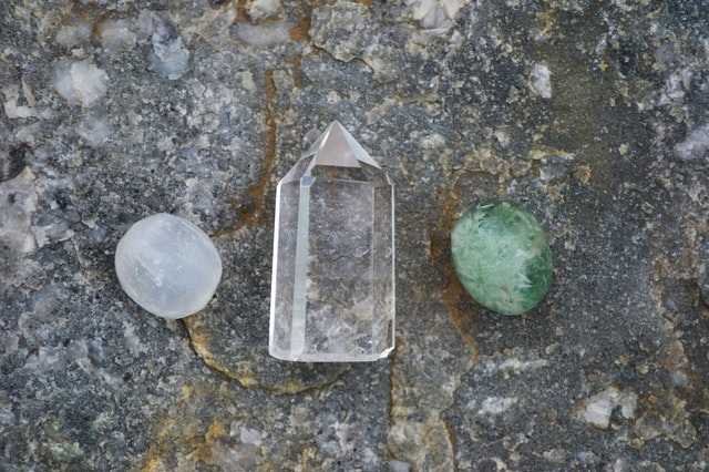 white-clear-and-green-healing-crystals-1573240